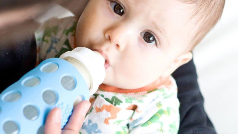 galzen of plastic babyfles. voordelen nadelen
